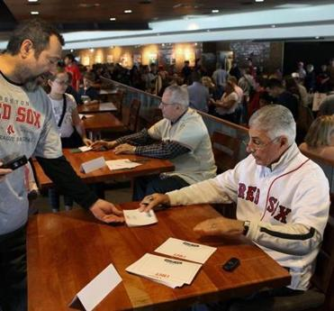 Ted Lepcio and Dick Beradino, right, were among the Red Sox alumni to sign autographs for fans on Thursday.